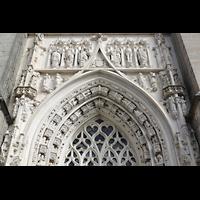 Lausanne, Cathédrale, Tympanon und Figurenschmuck über dem Hauptportal
