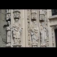 Lausanne, Cathédrale, Figuren am linken Pfelier des Hauptportals