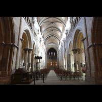 Lausanne, Cathédrale, Hauptschiff in Richtung Chor; links vorne der mobile Spieltisch