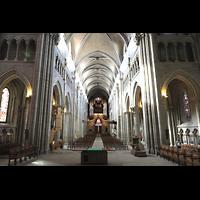 Lausanne, Cathédrale, Innenraum in Richtung Orgel