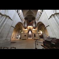 Lausanne, Cathédrale, Mobiler Spieltisch und hauptorgel