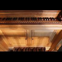 Lausanne, Saint-François (Spanische Orgel), Manual- und Pedaltasten der italienischen Orgel