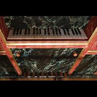 Lausanne, Saint-François (Spanische Orgel), Manual- und Pedaltasten der spanischen Orgel