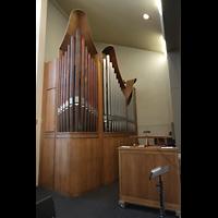 Berlin-Schöneberg, St. Konrad, Orgel von der Empore aus gesehen