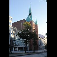 Berlin-Schöneberg, St. Elisabeth, Kirche von der Kolonnenstraße aus gesehen
