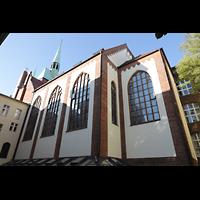 Berlin-Schöneberg, St. Elisabeth, Kirchen vom Innenhof aus gesehen