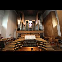 Berlin - Steglitz, Mater Dolorosa Lankwitz, Orgel mit Spieltisch
