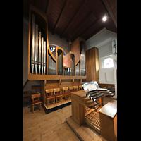 Berlin - Steglitz, Mater Dolorosa Lankwitz, Orgel mit Spieltisch seitlich