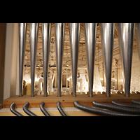 Berlin (Mitte), Konzerthaus, Großer Saal, Blick durch die Oberwerks-Prospektpfeifen in den Saal