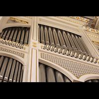 Berlin (Mitte), Konzerthaus, Großer Saal, Pfeifen des Spanischen Regals im Hauptwerk