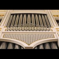 Berlin (Mitte), Konzerthaus, Großer Saal, Pfeifen des Spanischen Regals im Hauptwerk und Oberwerks-Prinzipal