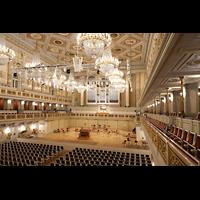 Berlin (Mitte), Konzerthaus, Großer Saal, Seitlicher Blick in den Saal in Richtung Orgel