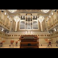 Berlin (Mitte), Konzerthaus, Großer Saal, Orgel mit mobilem Spieltisch