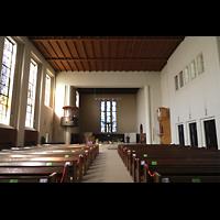 Berlin (Wilmersdorf), Lindenkirche, Innenraum in Richtung Chor
