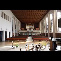 Berlin (Wilmersdorf), Lindenkirche, Innenraum in Richtung Orgel