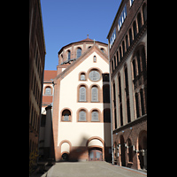 Berlin (Prenzlauer Berg), Herz-Jesu-Kirche, Querhaus links mit Kuppel