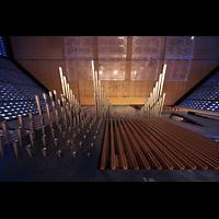 Berlin (Charlottenburg), Kaiser-Wilhelm-Gedächtnis-Kirche, Spanische Trompeten über dem Brustwerk