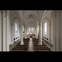 Berlin (Schöneberg), St. Matthias, Blick vom Spieltisch in die Kirche