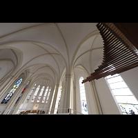 Berlin (Schöneberg), St. Matthias, Pfeifen der Spanischen Trompete mit Blick in die Kirche