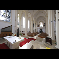 Berlin (Schöneberg), St. Matthias, Seitlicher Blick vom Chor zur Orgel