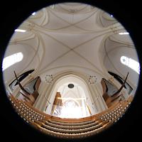 Berlin (Schöneberg), St. Matthias, Blick vom Spieltisch auf die Orgel