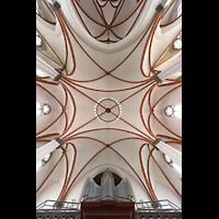 Berlin - Weißensee, St. Josef, Blick auf die Orgel und ins Gewölbe