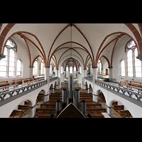 Berlin - Weißensee, St. Josef, Blick vom Spieltisch über das Rückpositiv in die Kirche