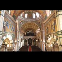 Berlin (Prenzlauer Berg), Herz-Jesu-Kirche, Blick von der Sängerempore im Chorraum zur Orgel