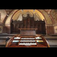 Berlin (Prenzlauer Berg), Herz-Jesu-Kirche, Spieltisch mit Orgel