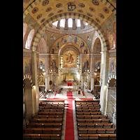 Berlin (Prenzlauer Berg), Herz-Jesu-Kirche, Blick vom Spieltisch in die Kirche