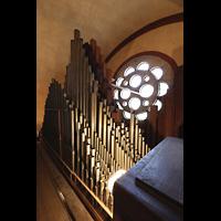 Berlin (Prenzlauer Berg), Herz-Jesu-Kirche, Pfeifen des 3. Manuals ganz oben