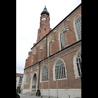 Straubing, Basilika St. Jakob, Ansicht vom Pfarrplatz von Südosten