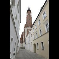 Straubing, Basilika St. Jakob, Ansicht mit Turm von Westen von In der Bürg
