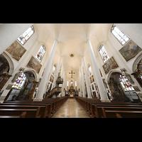 Straubing, Basilika St. Jakob, Innenraum in Richtung Chor nach der Renovierung 2020/21