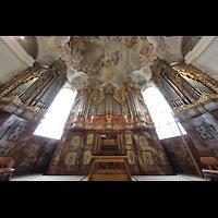 Metten, Benediktinerabtei, Pfarr- und Stiftskirche St. Michael, Orgel (beleuchtet) perspektivisch