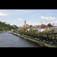 Passau, Dom St. Stephan, Blick von der Schanzlbrücke zum Domberg