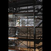Passau, Dom St. Stephan, Wichtiges Utensil im Baugerüst des Vierungsturms in etwa 40 Metern Höhe