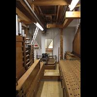 Passau, Dom St. Stephan, Restaurierungsarbeiten an der Fernorgel - im Mai 2021 mit ausgebauten Pfeifen