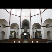 Berlin - Spandau, St. Marien (Maria, Hilfe der Christen), Blick über den Altar zur Orgel