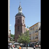 Berlin (Spandau), St. Nikolai, Turm und Kirche von der Carl-Schurz-Straße aus gesehen