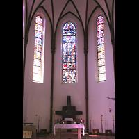 Berlin (Reinickendorf), Herz-Jesu-Kirche Tegel, Chorraum mit Altar
