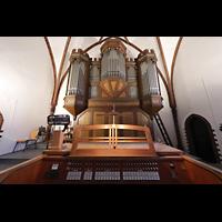 Berlin (Reinickendorf), Herz-Jesu-Kirche Tegel, Orgel mit Spieltisch