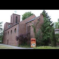 Berlin - Reinickendorf, St. Joseph Tegel, Außenansicht von der Chorseite