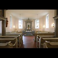 Berlin - Heiligensee, Dorfkirche, Innenraum in Richtung Altar
