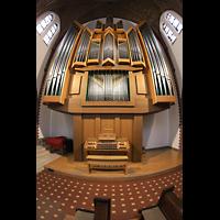 Berlin (Reinickendorf), St. Marien (Hauptorgel), Orgel mit Spieltisch (beleuchtet)