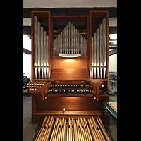 Berlin (Reinickendorf), Maria-Gnaden, Orgel mit Spieltisch