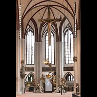 Berlin (Mitte), Museum Nikolaikirche, Chorraum mit barocken Skulpturen
