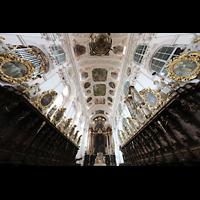 Waldsassen, Stiftsbasilika, Chorraum mit Evangelien- und Epistelorgel