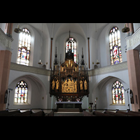 Hof, St. Michaelis, Chorraum mit neogotischem Hochaltar