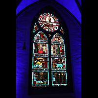 Mönchengladbach, Münster St. Vitus (Hauptorgel), Bunte Glasfenster in der Martinskapelle